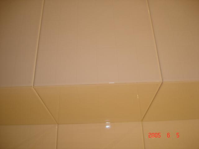 贴瓷砖用阳角线好还是磨倒角好呢?谢谢