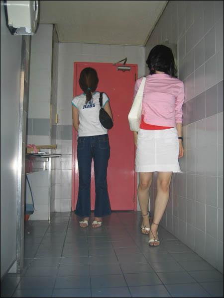 厕所被拍到内容|厕所被拍到版面设计