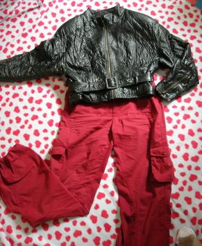 咸菜色休闲短裤,彩条短袖毛衫,牛仔短裙 件件精彩