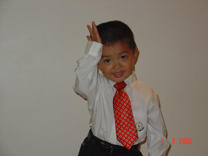 我家小帅哥(快3岁啦)的生活照