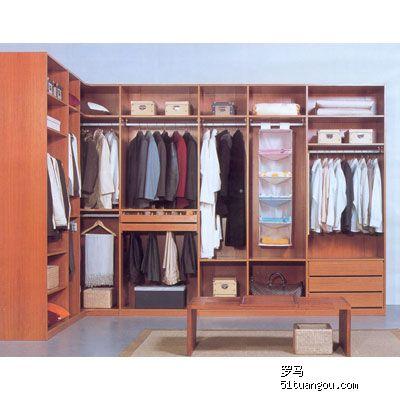 哪家有步入式衣橱或衣柜的内部格局照片,发上来让我参考参考吧,