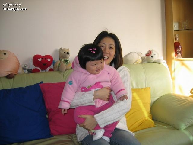 妈妈抱宝宝画画图片