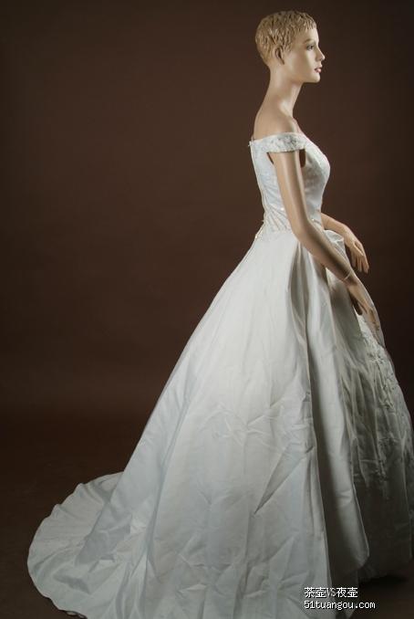 转让2手婚纱礼服旗袍价格超级实惠