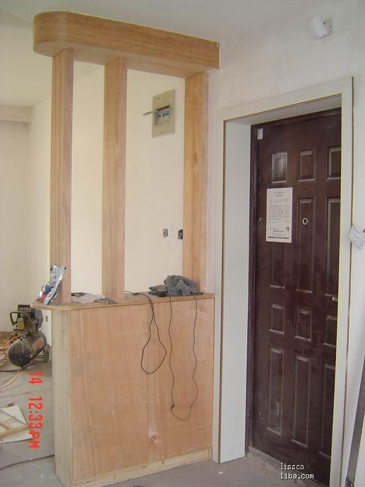 电梯入户玄关鞋柜设计