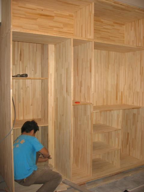 木工做的衣柜