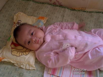10个月女宝宝头围44