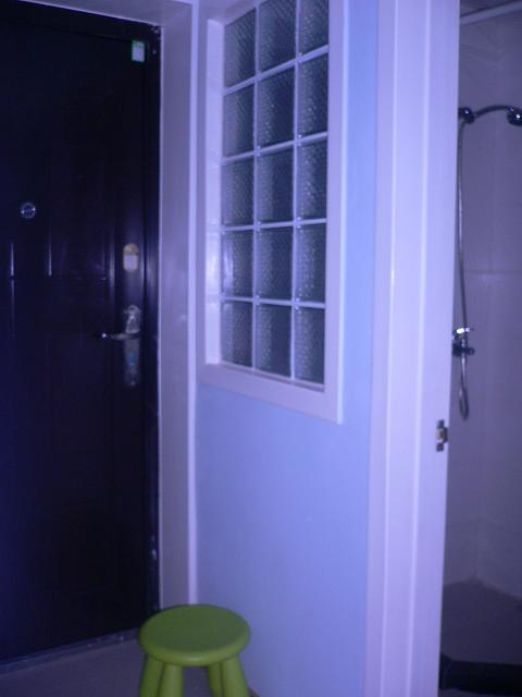 装修菜鸟求助,客厅与卧室的隔断用什么材料好