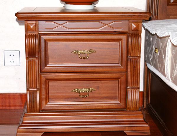 楼主看看我的床头柜的工艺.图片