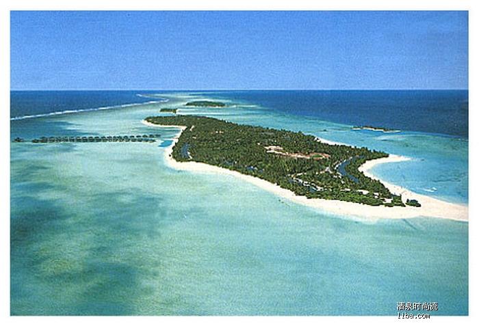 太阳岛度假村以其优美的环境设置,吸引了许多旅客前来度假.