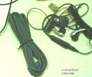 让索爱W580原配耳机 数据线 附赠限量版王力宏卡套和挂绳