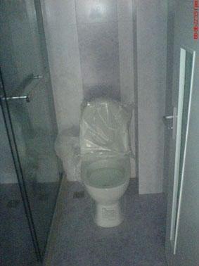 厕所改衣帽间保留马桶图片