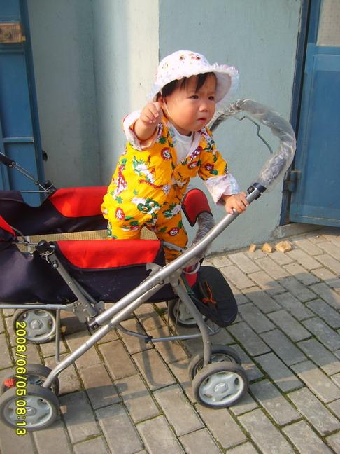 转让宝宝手推车求电动小汽车高清图片