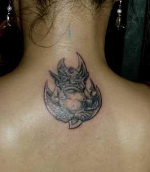 脖子后面小恶魔_纹身图案图片