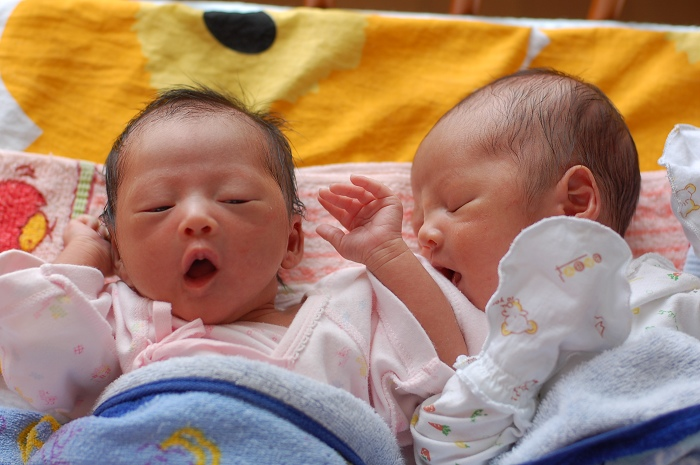 宝宝 壁纸 孩子 小孩 婴儿 700_465