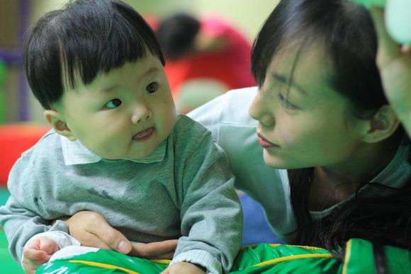 八个月女宝宝图片::2岁女宝宝发型::八个月女宝宝