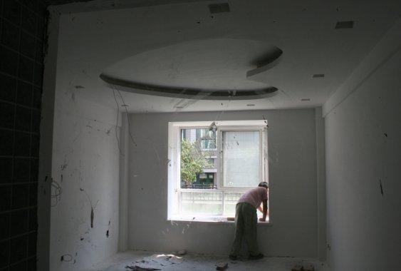 浅灰色地砖应该搭配什么颜色墙面?