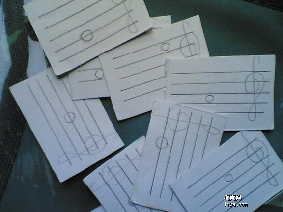 """我们的QQ群:311657270,欢迎大家加入,加入请写备注:小提琴 也开个贴专记录女儿的小提琴学习进展,希望在这里能得到各位家长和老师的指点。 2008/09/16:4周岁3个月,开始学五线谱; 2008/10/11~2009/04/18:学拉张世祥老师编的""""小提琴教材精选(一)启蒙""""教材; 2009/04/25~2009/08/08:学拉张世祥老师编的""""小提琴教材精选(二)初级""""教材; 2009/08/15~2010/01/30:学拉张世祥老师编的""""小"""