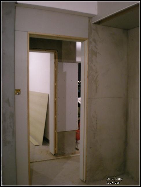 木工打造电视柜和梳妆台