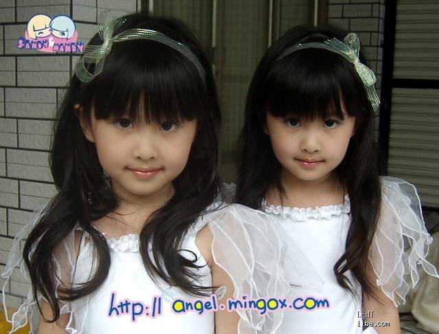 好久没看台湾那对双胞胎的照片了 sandy mandy 搜另一位混血宝宝