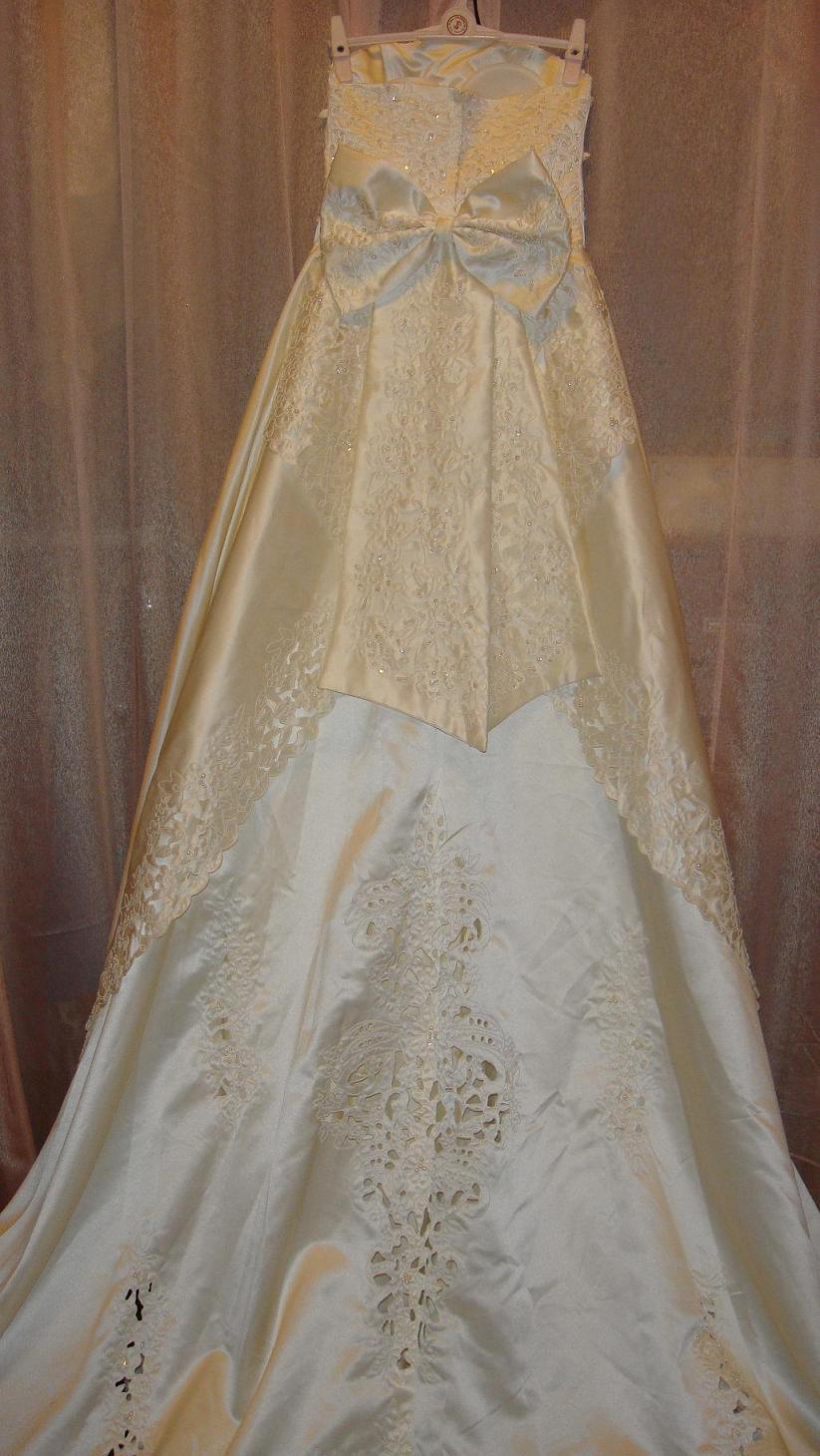婚纱已转 紫色晚礼服 旗袍低价抛咯