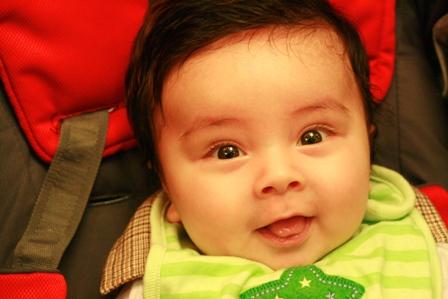 宝宝⑤个月了,样子真是变的多呀 新照片在第⑤页