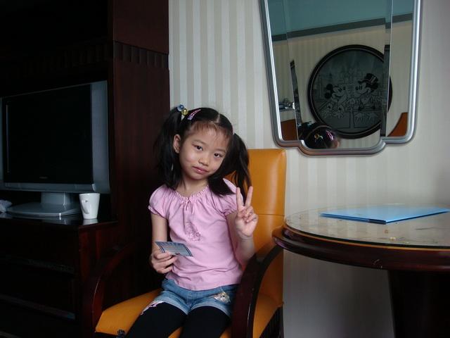 28日带照片香港归来,血拼的败品上攻略了,住宿潜山县还有孩子图片