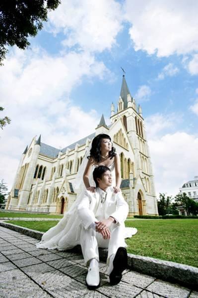 小张的婚纱店_小张柏芝的婚纱照 来自罗马假期的大片 .............