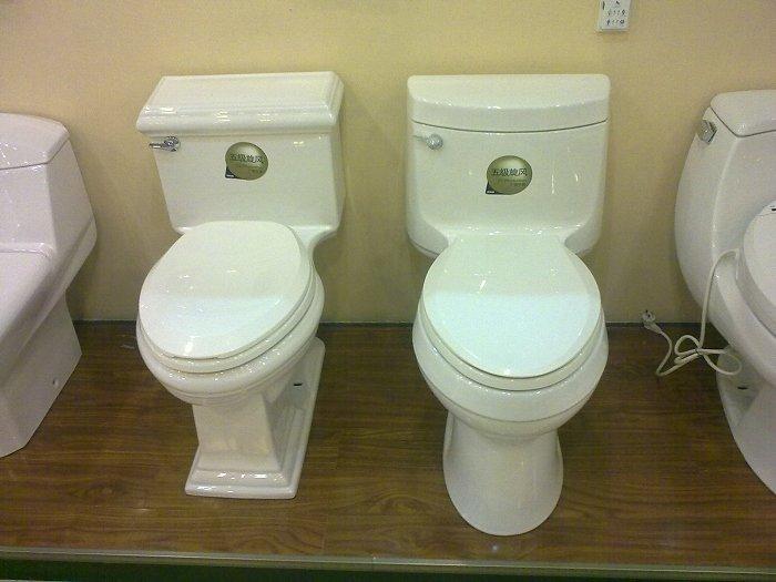 马桶尿垢很厚怎么去除