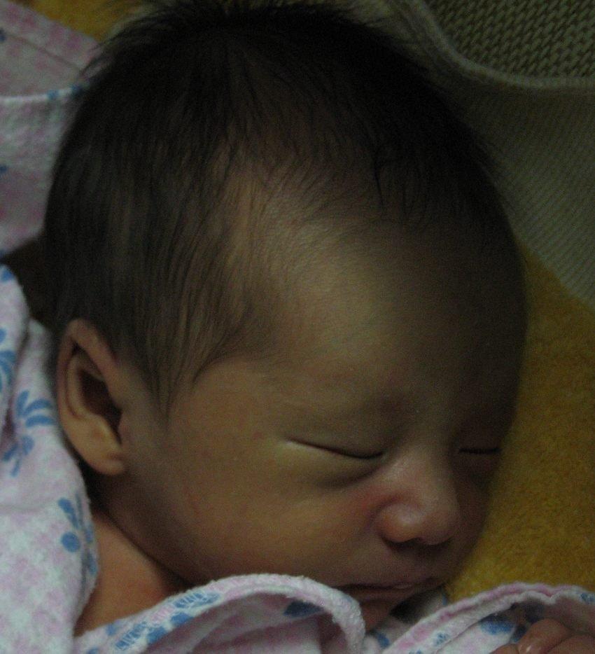 男宝宝的头型是否要睡扁 附图