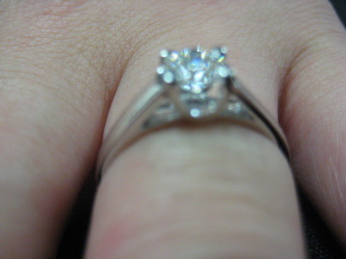 安琪儿戒指姐姐的enzo戒指 钻石天使的戒指 (500 * 375)高清图片