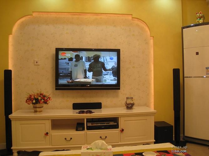电视机背景墙,败笔1-背景墙墙纸太过素雅