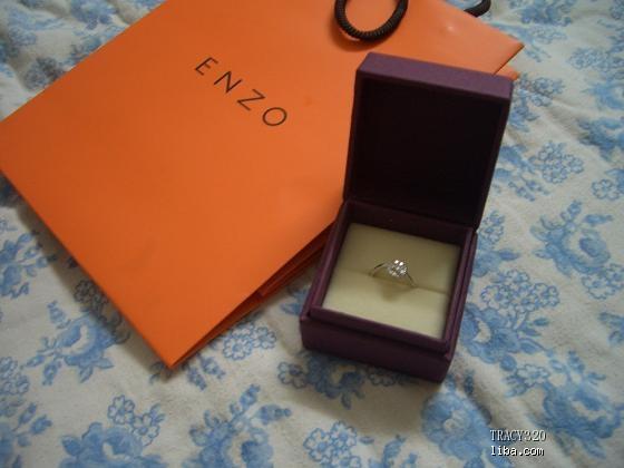 转enzo的碎钻戒指 高清图片