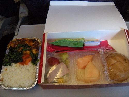 吉祥的飞机餐, 还不错, 中饭没吃, 全报销了