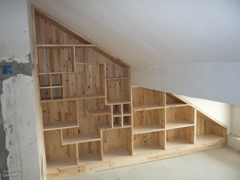 阁楼南面,放置榻榻米一边的柜子,童大师设计,木工师傅优质图片