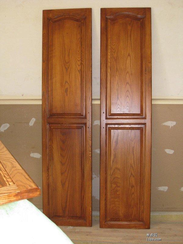 咨询大家订做密度板衣柜和实木衣柜子或柜门的价格