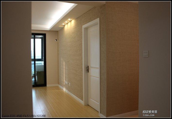 客厅过道瓷砖框架造型