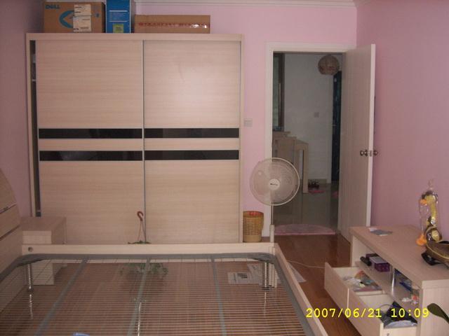 装修样板房 求 一梯三户中间户