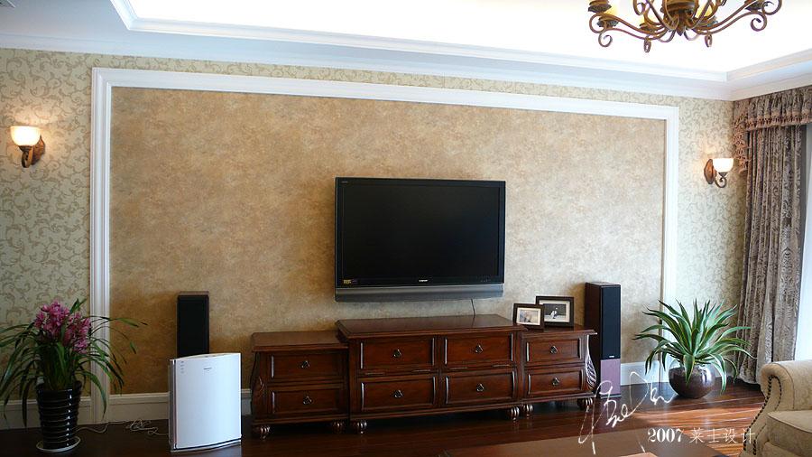 电视背景墙要安装木线条