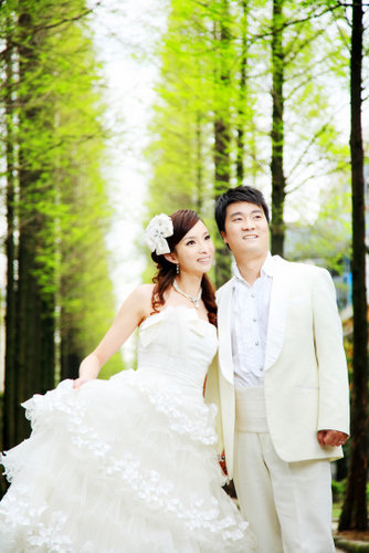 乌龟和兔子的婚纱照