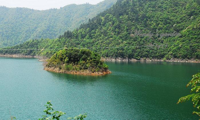路上最美的风景,里畈水库~湖中岛