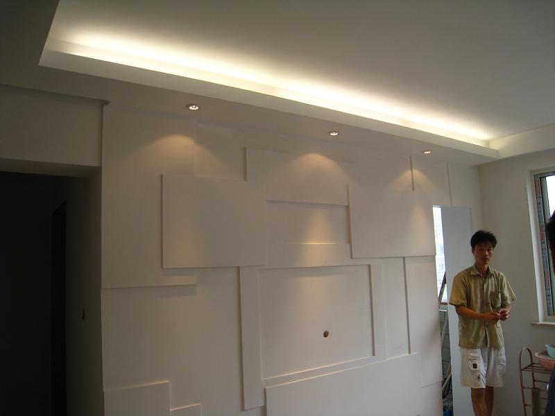 客厅灯带+射灯效果+我们的油漆工陈师傅+电视背景墙