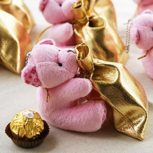 这是一款超级超级可爱的小熊喜糖袋.