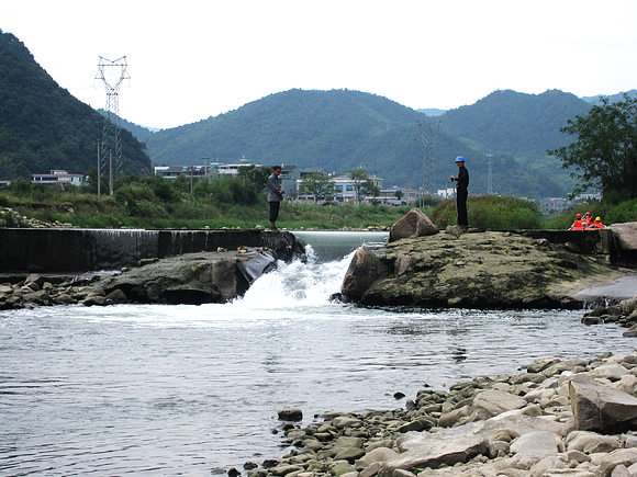 【2010 国庆自驾游】宁海:深甽漂流 宁海森林温泉(一)