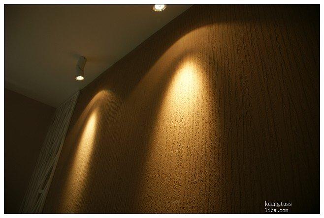 电视机背景墙用的硅藻泥树皮纹,来张特写
