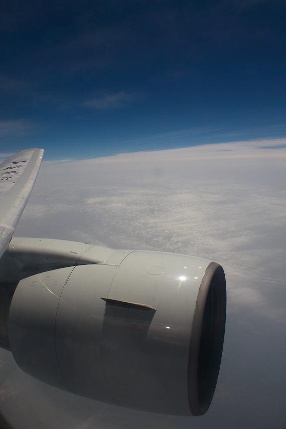 我们旅行团成员又避讳红眼航班