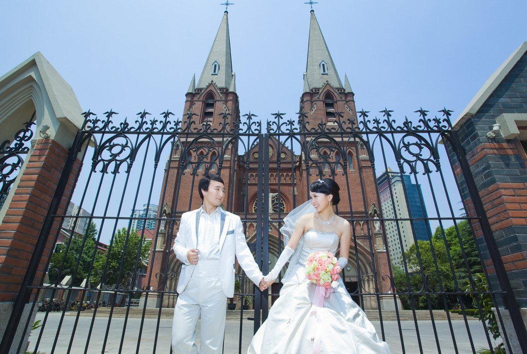 徐家汇婚纱摄影工作室_徐家汇教堂场景拍摄,上海麦田婚纱摄影工作室出品
