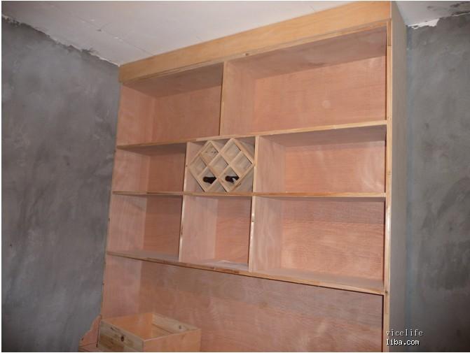 木工照片,附件是老袁亲自打造的餐边柜