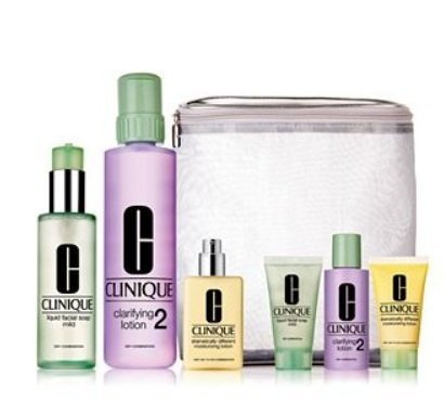 化妆水的作用 人手一支补水法宝早晚护肤步骤缺它不可