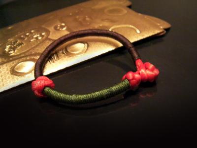 王道の中国结红绳手链