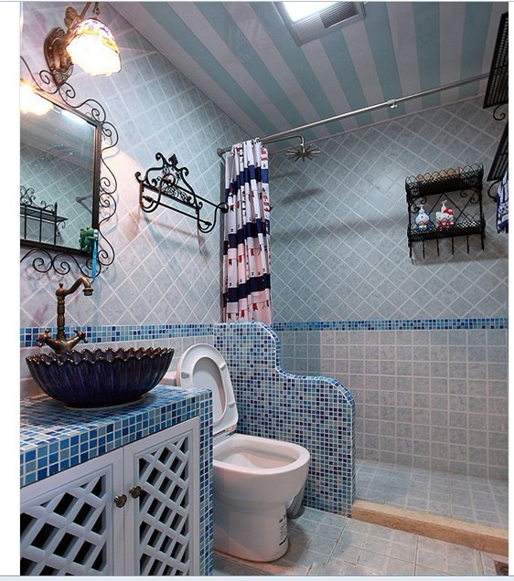 马桶和淋浴房之间也想这样档一下